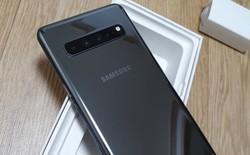 Mở hộp chiếc Galaxy S10 5G đầu tiên, màn hình 6,7 inch siêu lớn, 6 camera và củ sạc USB-C 25W