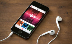 Lần đầu tiên, Apple Music vượt mặt Spotify về số lượng thuê bao trả phí