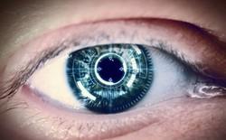 Đây là loại kính áp tròng thông minh mà DARPA và quân đội Mỹ đã mất công tìm kiếm suốt một thập kỷ qua