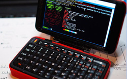 Chiếc laptop tí hon tuyệt đẹp này được làm từ Raspberry Pi và thân vỏ in 3D