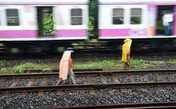 Mải mê selfie cạnh đường ray, 3 thanh niên Ấn Độ bị tàu hỏa cán tử vong