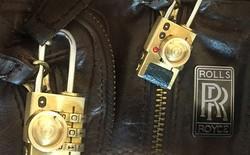 """Đã chơi máy ảnh Leica thì phụ kiện cũng phải xịn: Khoá túi """"đồ nghề"""" xấu xí thế này mà giá tận 3,1 triệu đồng"""