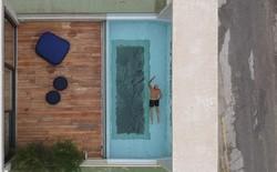 Ngắm kiến trúc nhà phố độc đáo với không gian hiện đại, có phòng tập thể dục, chiếu phim và hồ bơi trong suốt trên nóc nhà