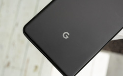 Rò rỉ ảnh dựng Google Pixel 4 với thiết kế tương tự iPhone 11