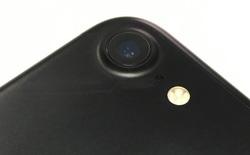 Bản chất của thành phần sapphire trên ống kính smartphone là gì?
