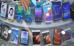 Huawei khẳng định dây chuyền sản xuất smartphone vẫn đang hoạt động hết công suất, bất chấp lệnh cấm của Mỹ