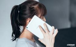 """Mở hộp Galaxy Tab A 8.0 mới: Một mình một cõi """"điện thoại bảng"""", ngoài màn hình lớn ra còn gì hay không?"""