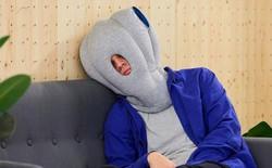 Cần gì một bờ vai dựa dẫm, chiếc gối có vẻ ngoài quái lạ này sẽ cho phép bạn đặt đầu ngủ tại bất kỳ đâu