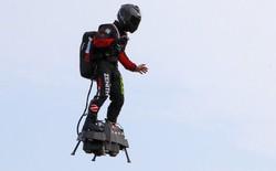 Thử ván trượt bay, nhà phát minh 40 tuổi lộn cổ xuống biển