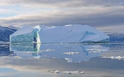 Nghiên cứu phát hiện ra tuyết trên Bắc cực chứa đầy... hạt vi nhựa