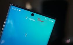 Thấy chấm trắng nhấp nháy này trên màn Galaxy Note 10, chớ vội lầm tưởng máy đã bị dính điểm ảnh chết