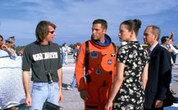 Bộ phim bom tấn Armageddon của đạo diễn Michael Bay có một lỗ hổng khó tin đến mức diễn viên chính cũng phải thắc mắc