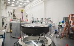 Đây là ống kính quang học lớn nhất Thế giới: Rộng 1.5m, sản xuất suốt 5 năm mới xong