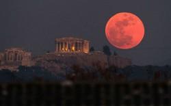 """Hiện tượng """"siêu trăng máu"""" đã khiến hàng nghìn binh sĩ Hy Lạp cổ tử trận như thế nào?"""