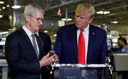 """Tim Cook và Tổng thống Trump: """"Làm bạn với vua như chơi với hổ"""""""