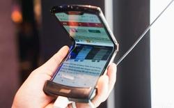 """Trên tay smartphone gập Moto RAZR: Thiết kế """"chất"""", không có vết nhăn xấu xí nhưng cấu hình lại gây hụt hẫng"""