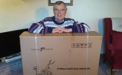 Chuyển nhầm kiện hàng nặng 29kg cho cụ ông 79 tuổi, Amazon từ chối nhận lại