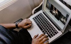 Cục Hàng không tiếp tục cấm sử dụng Macbook Pro 15 inch trên máy bay
