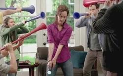 PlayStation Move vs... Vuvuzela
