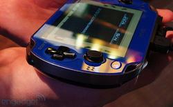 Cận cảnh Sony PlayStation Vita Sapphire Blue