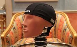 """CheckLight - """"Mũ cảm biến"""" giúp phát hiện chấn động não"""
