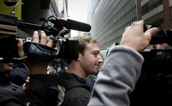 CEO Facebook bị phản đối vì luật nhập cư mới