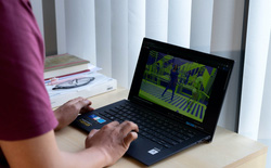 Chọn laptop nào để chiến game xuyên hè?