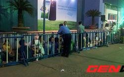 Fan công nghệ xếp hàng thâu đêm chờ hưởng ưu đãi mua Galaxy S4