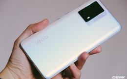 Trên tay iQOO Z5: Cấu hình mạnh nhưng tổng thể kém hấp dẫn