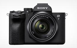 Sony ra mắt máy ảnh Alpha 7 IV: Cảm biến Full-frame 33MP, màn hình xoay lật đa hướng
