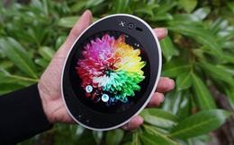 Kỳ lạ chiếc smartphone thân tròn, màn hình cũng tròn, có đến 2 jack 3.5mm, hai cổng USB