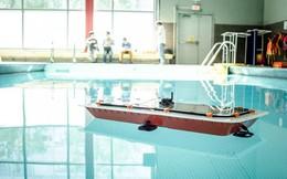 Đây là chiếc thuyền tự lái có khả năng kiêm luôn vai trò của những cây cầu