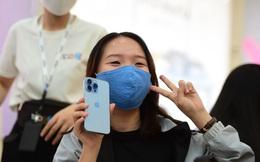 """Fan Apple hào hứng với cửa hàng chuẩn """"style"""" Apple tại Việt Nam"""