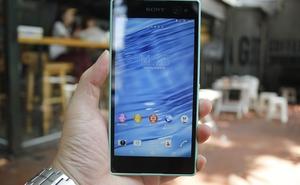 """Trên tay Sony Xperia C3, smartphone dành cho các tín đồ công nghệ thích """"tự sướng"""""""