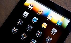 """iPad 128 GB sẽ """"kết liễu"""" MacBook Air?"""