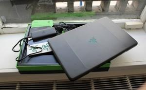 """""""Đập hộp"""" laptop chơi game Razer Blade thế hệ 2"""
