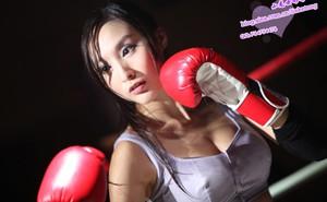 """Lâm Kha Đồng cũng """"boxing girl"""""""