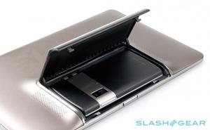 [Computex] Lộ hình ảnh PadPhone - sản phẩm lai giữa tablet và smartphone của Asus