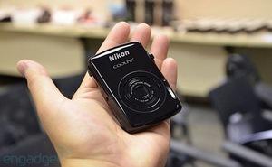 Cận cảnh Nikon Coolpix S01: Nhỏ gọn trong lòng bàn tay