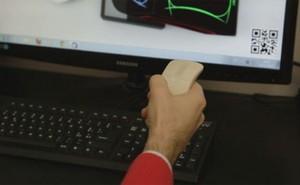 Chuột thông minh Ego hoạt động được trên cả bàn làm việc và trong không gian