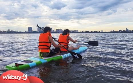 """Trải nghiệm chèo thuyền SUP - """"nhún nhảy"""" mặt nước Hồ Tây giữa ngày Hà Nội 39 độ"""