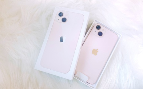 iPhone 13 bắt đầu đến tay người dùng trên thế giới