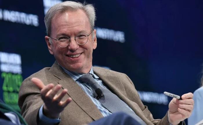 Cựu CEO Google, người đã mua YouTube với giá cao, cho rằng mạng xã hội là 'bộ khuếch đại cho những kẻ ngốc'
