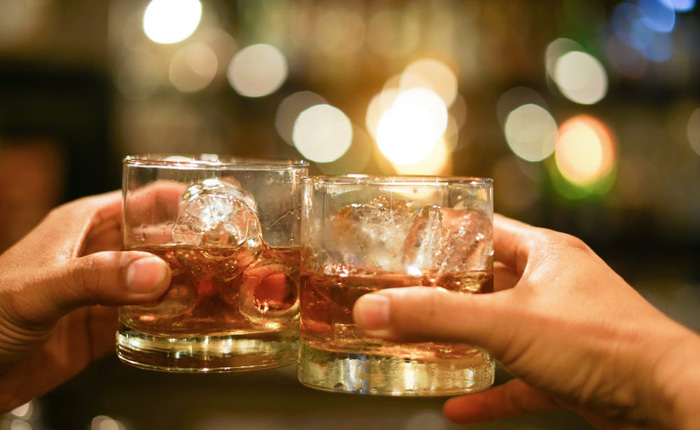 Người Nga phẫn nộ vì bị yêu cầu không uống rượu trong 2 tháng sau khi tiêm vắc-xin COVID-19