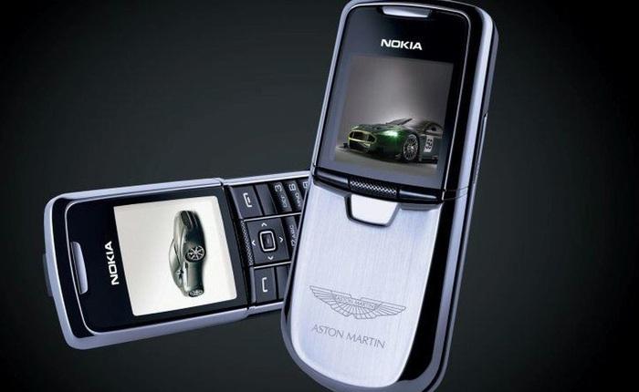 """Những thương hiệu xe hơi nổi tiếng """"bẻ lái"""" vô thị trường điện thoại"""