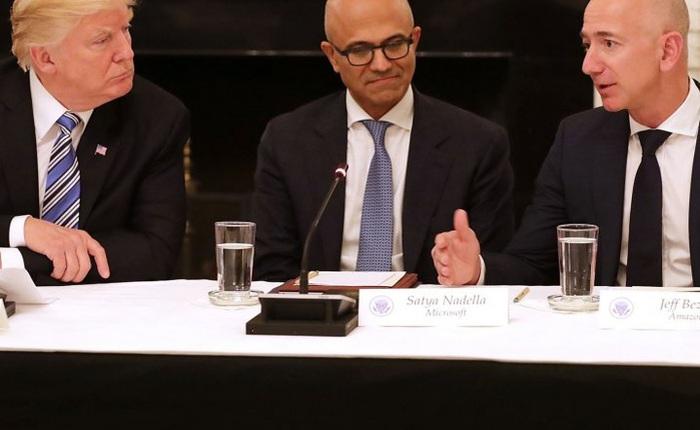 Tỷ phú Jeff Bezos chính thức phát động tấn công nhắm vào tổng thống Donald Trump
