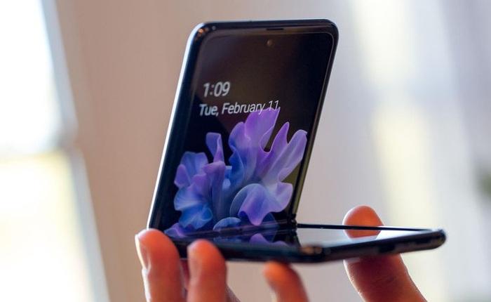 Samsung không nói dối: màn hình Galaxy Z Flip thực sự được làm từ kính, vì chỉ kính mới gãy được như thế này