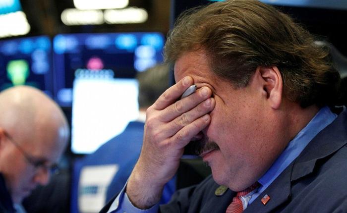 Dow Jones mất hơn 1.000 điểm vì nỗi lo dịch bệnh