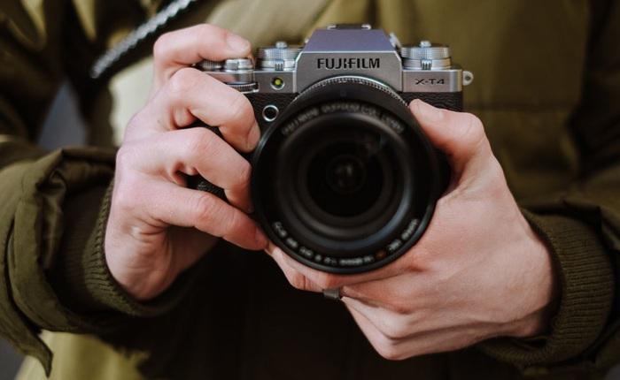 Fujifilm ra mắt máy ảnh X-T4: Chống rung cảm biến, màn chập mới, pin lớn hơn