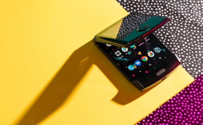 """Đánh giá chi tiết Motorola Razr: màn hình gây tiếng ồn khó chịu khi gập, pin kém, """"thà mua Razr ngày xưa còn hơn"""""""